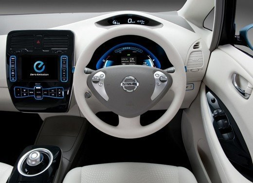 Nissan LEAF vince a New York il premio World Car of the Year 2011 - Foto 5 di 8