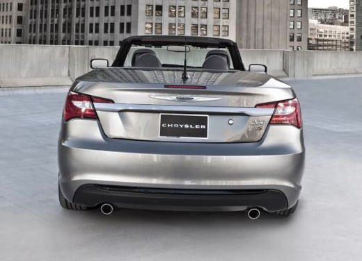 Chrysler 200 S e Convertible in anteprima al Salone di New York - Foto 7 di 7