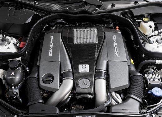 Mercedes E63 AMG con nuovo motore biturbo AMG V8 5.5 - Foto 12 di 12