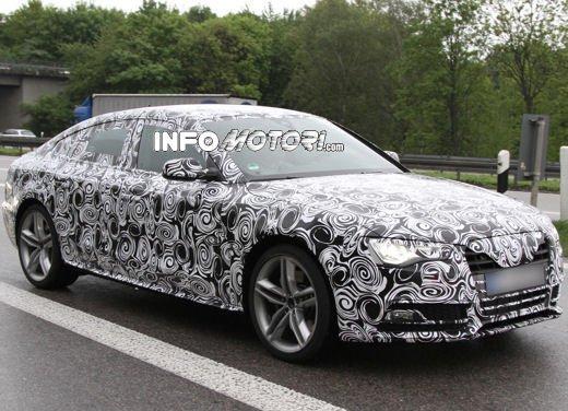 Audi S5 Sportback le immagini spia promettono grosse novità - Foto 4 di 9