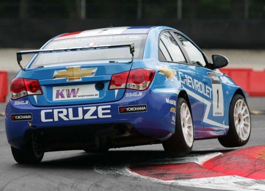La Chevrolet Cruze fa due doppiette a Monza nel WTCC e fugge da Seat e BMW! - Foto 4 di 10