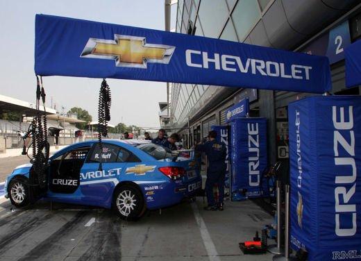 La Chevrolet Cruze fa due doppiette a Monza nel WTCC e fugge da Seat e BMW! - Foto 5 di 10