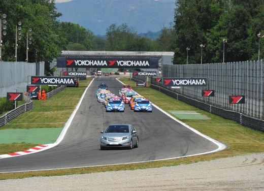 La Chevrolet Cruze fa due doppiette a Monza nel WTCC e fugge da Seat e BMW! - Foto 8 di 10