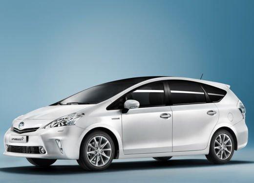Toyota lancia il monovolume Prius Alpha che in Europa si chiama Toyota Prius + o Prius Plus - Foto 2 di 9