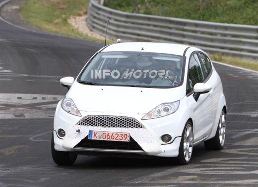 Ford Fiesta ST immagini spia al Nurburgring
