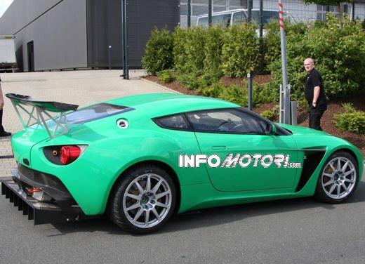 Aston Martin Zagato immagini spia della consegna al centro test del Nurburgring - Foto 10 di 10
