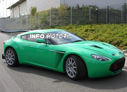 Aston Martin Zagato immagini spia della consegna al centro test del Nurburgring - Foto 1 di 10