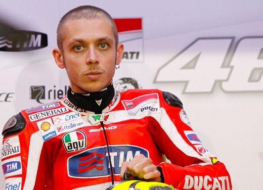 Ducati GP12 in pista al Mugello con Valentino Rossi e Franco Battaini - Foto 6 di 16