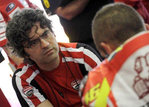 Ducati GP12 in pista al Mugello con Valentino Rossi e Franco Battaini - Foto 5 di 16