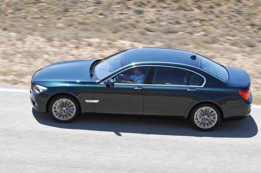 Auto blu: al nuovo governo Monti piacciono italiane - Foto 2 di 16
