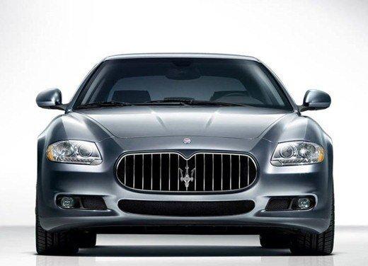 Auto blu: al nuovo governo Monti piacciono italiane - Foto 4 di 16