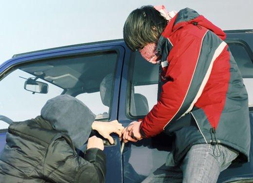 Furti d'auto, solo 9 automobilisti su 100 si assicurano - Foto 4 di 5