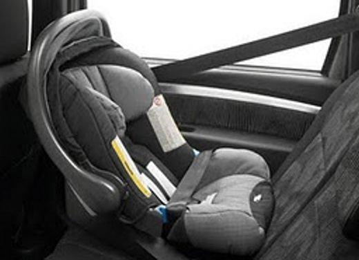 Bambini in auto, seggiolino e altri consigli per il trasporto sicuro - Foto 12 di 12