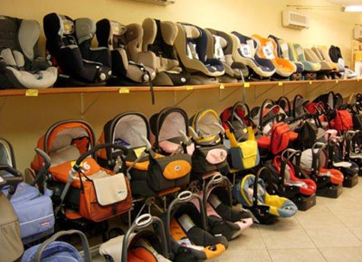Bambini in auto, seggiolino e altri consigli per il trasporto sicuro - Foto 7 di 12