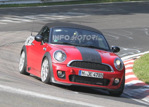 Mini Roadster John Cooper Works sorpresa durante i test in pista