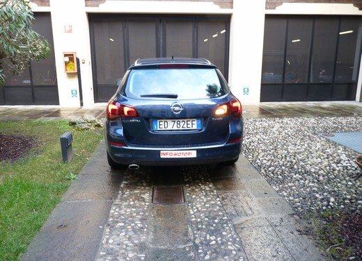 Opel Astra Sports Tourer: prova su strada della Opel Astra station wagon - Foto 8 di 23