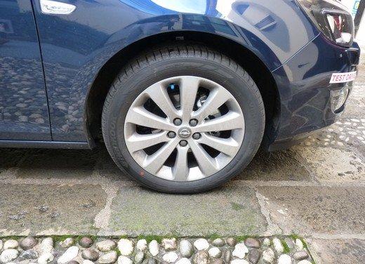 Opel Astra Sports Tourer: prova su strada della Opel Astra station wagon - Foto 18 di 23