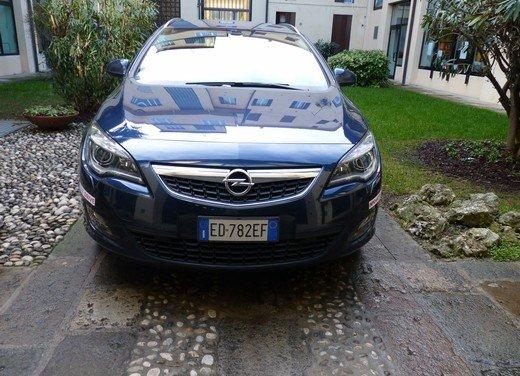Opel Astra Sports Tourer: prova su strada della Opel Astra station wagon - Foto 6 di 23