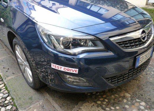 Opel Astra Sports Tourer: prova su strada della Opel Astra station wagon - Foto 16 di 23
