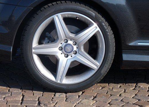 Mercedes CL 500 4Matic Sport: prova su strada della coupé sportiva ed elegante - Foto 38 di 40