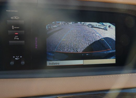Mercedes CL 500 4Matic Sport: prova su strada della coupé sportiva ed elegante - Foto 25 di 40