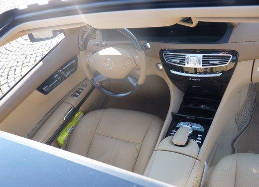 Mercedes CL 500 4Matic Sport: prova su strada della coupé sportiva ed elegante - Foto 12 di 40