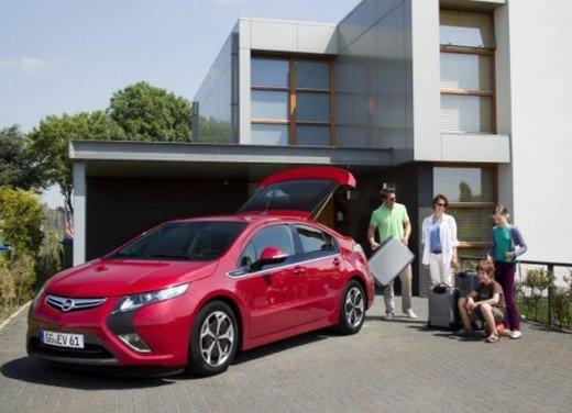 Opel Ampera: prima prova su strada della elettrica ad autonomia estesa - Foto 3 di 19