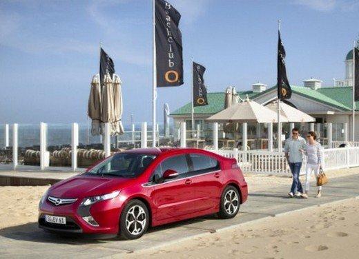 Opel Ampera: prima prova su strada della elettrica ad autonomia estesa - Foto 4 di 19