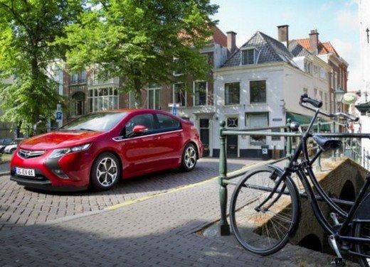 Opel Ampera: prima prova su strada della elettrica ad autonomia estesa - Foto 5 di 19