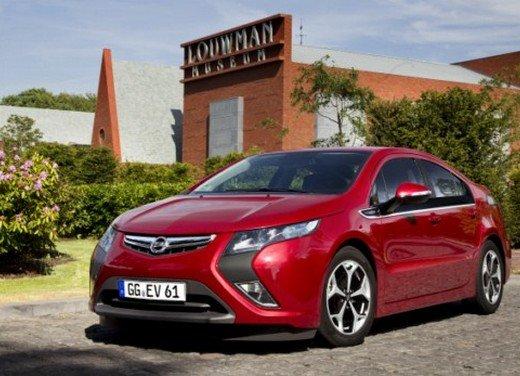 Opel Ampera: prima prova su strada della elettrica ad autonomia estesa - Foto 6 di 19