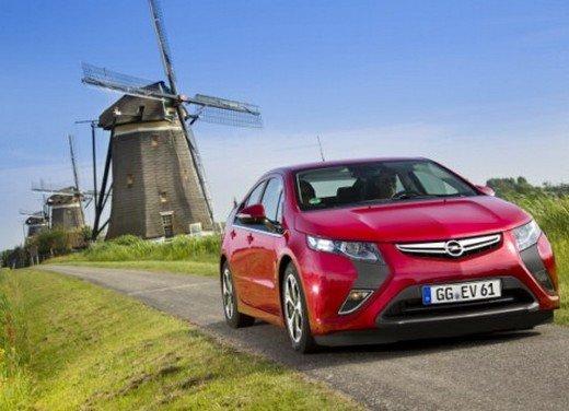 Opel Ampera: prima prova su strada della elettrica ad autonomia estesa - Foto 7 di 19