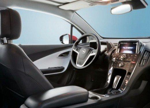 Opel Ampera: prima prova su strada della elettrica ad autonomia estesa - Foto 13 di 19