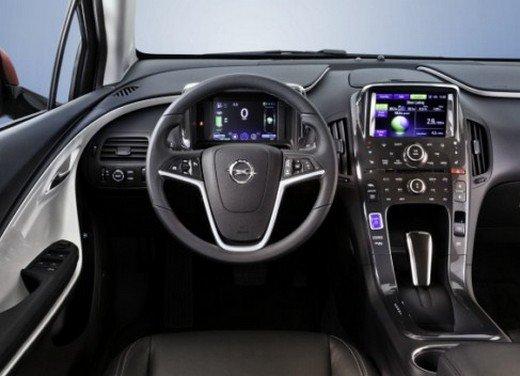 Opel Ampera: prima prova su strada della elettrica ad autonomia estesa - Foto 14 di 19