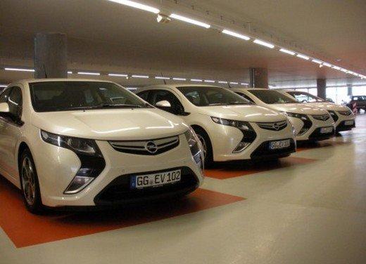 Opel Ampera: prima prova su strada della elettrica ad autonomia estesa
