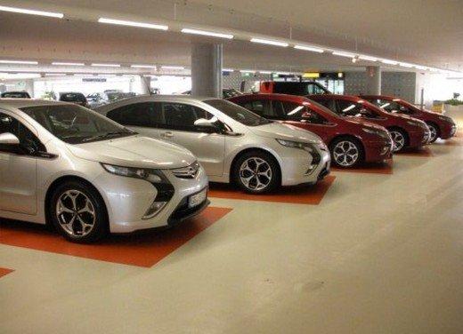 Opel Ampera: prima prova su strada della elettrica ad autonomia estesa - Foto 18 di 19