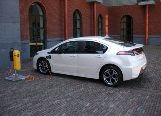 Opel Ampera: prima prova su strada della elettrica ad autonomia estesa - Foto 19 di 19
