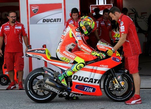 MotoGP: dal 2012 test privati MotoGP liberalizzati dalla Grand Prix Commission - Foto 30 di 72