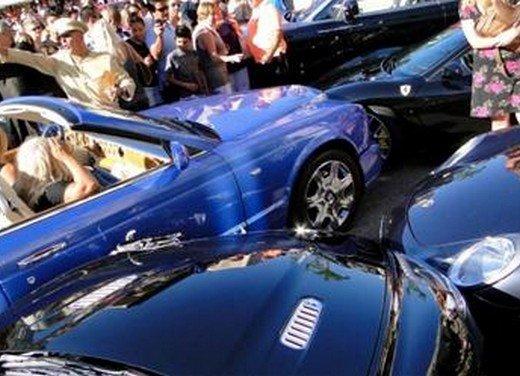 Cinque supercar rovinate a Montecarlo da una signora distratta
