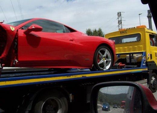 Ferrari 360 Modena Spider finisce in acqua - Foto 3 di 10