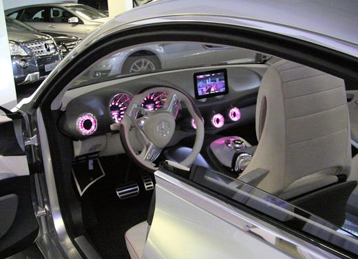 Prime foto degli interni della Nuova Mercedes Classe A - Foto 12 di 19
