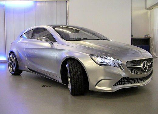 Prime foto degli interni della Nuova Mercedes Classe A - Foto 8 di 19