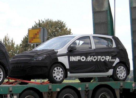 Hyundai i20, le foto degli interni del restyling 2012 - Foto 11 di 18