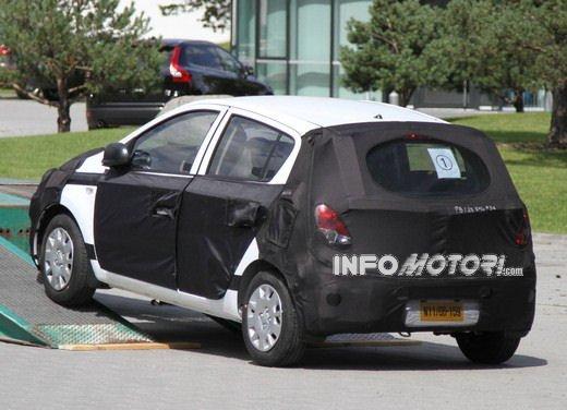 Hyundai i20, le foto degli interni del restyling 2012 - Foto 15 di 18