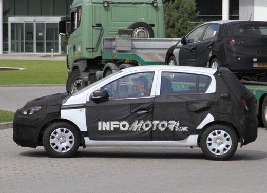Hyundai i20, le foto degli interni del restyling 2012 - Foto 17 di 18