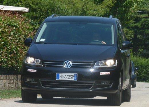 Nuova Volkswagen Sharan Long Test Drive