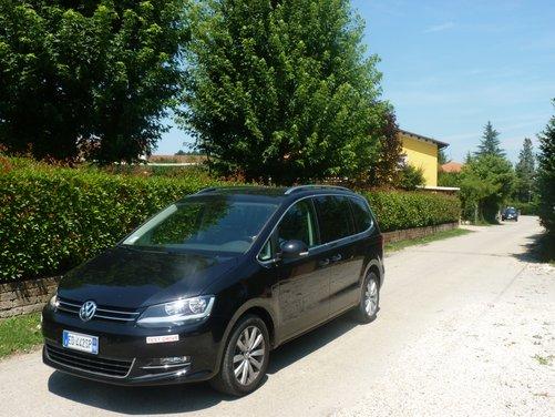 Nuova Volkswagen Sharan Long Test Drive - Foto 2 di 17