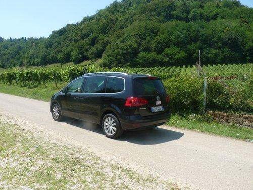 Nuova Volkswagen Sharan Long Test Drive - Foto 3 di 17
