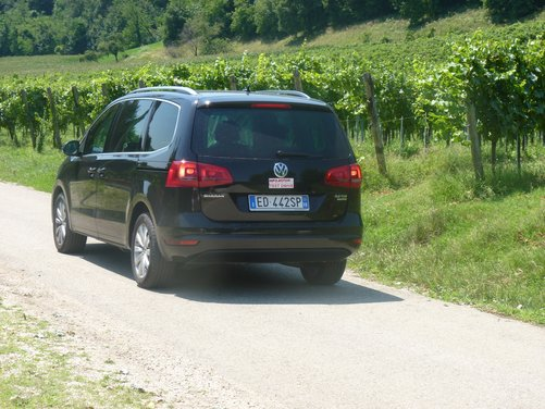 Nuova Volkswagen Sharan Long Test Drive - Foto 4 di 17