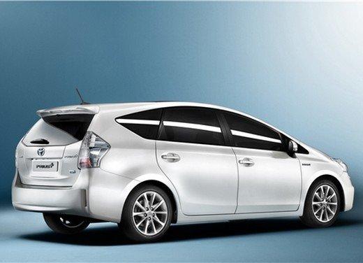 Toyota lancia il monovolume Prius Alpha che in Europa si chiama Toyota Prius + o Prius Plus - Foto 3 di 9