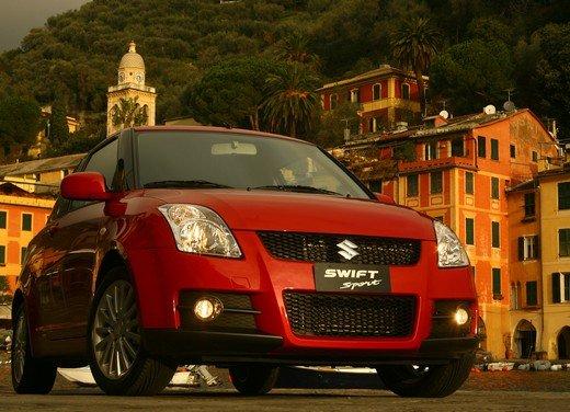 Suzuki Swift Sport, provata la rivale di Fiat 500 Abarth - Foto 28 di 43